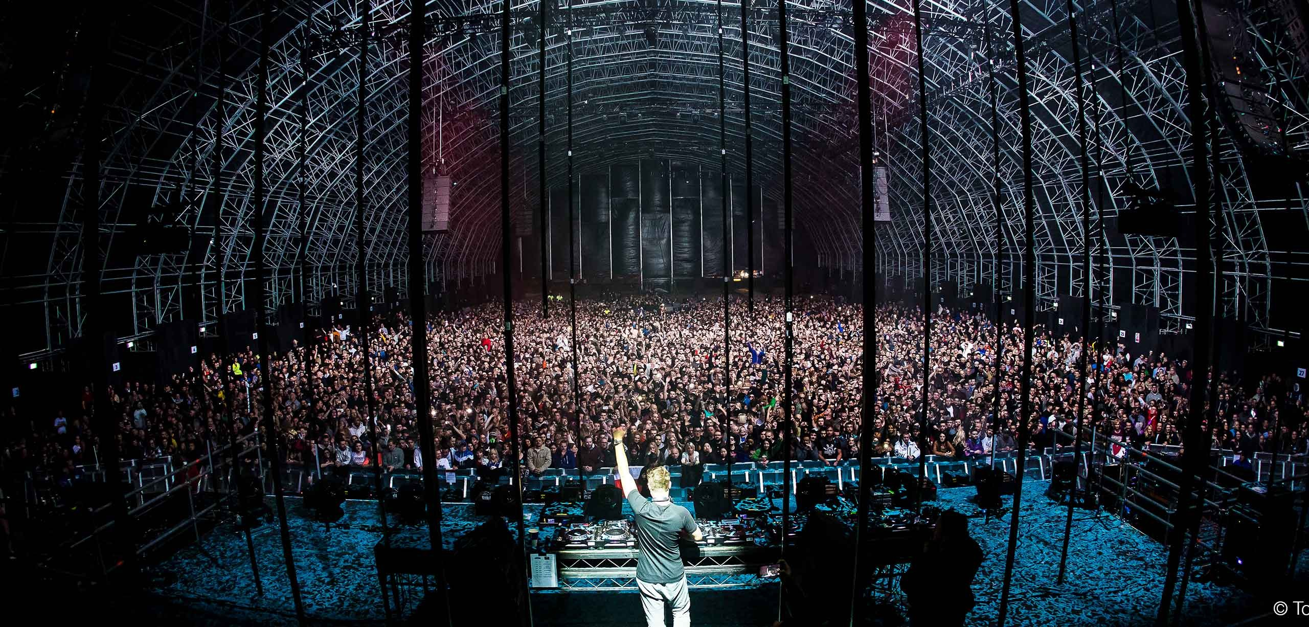 Dutch Dance - Sander van Doorn Creamfields Steel Yard Liverpool 2017 - photo by Tom Doms